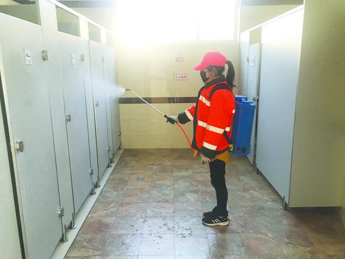 兰溪:公厕消杀防疫